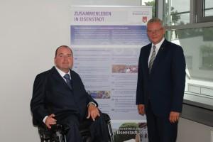 Reinhard Rodlauer mit Bürgermeister Thomas Steiner